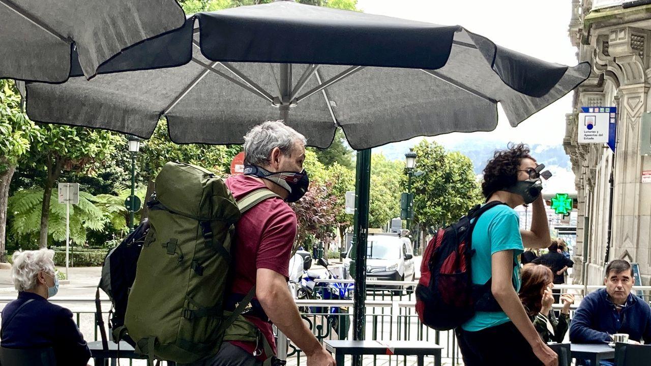 El ornitólogo y comunicador ambiental Antonio Sandoval, en Estaca de Bares, durante la grabación del documental