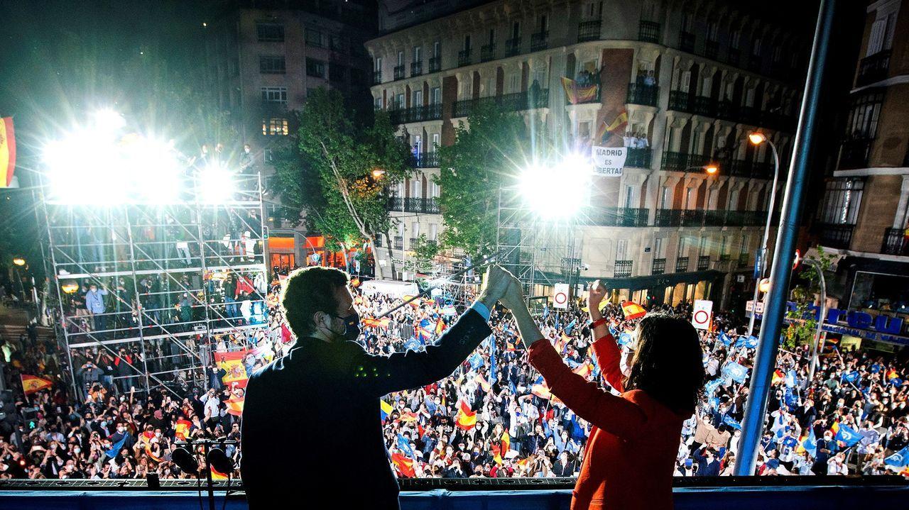 Miles de personas entran desde el lunes de forma ilegal en España.Pleno en el Concello de Ourense