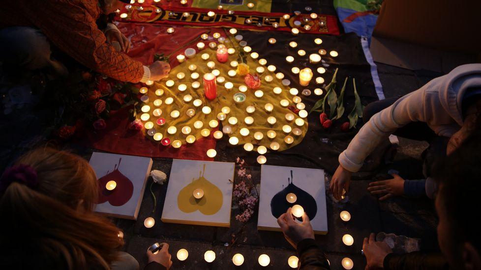 Homenaje a las víctimas en la Place de la Bourse (Bruselas).