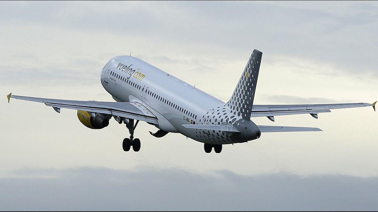 Accidente grave en Acea de Ama.Un avión despegando del aeropuerto de Alvedro