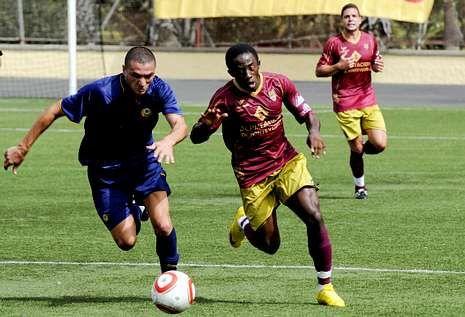 El Pontevedra cayó 4 a 2 ante el Universidad de Las Palmas en su última visita al archipiélago.
