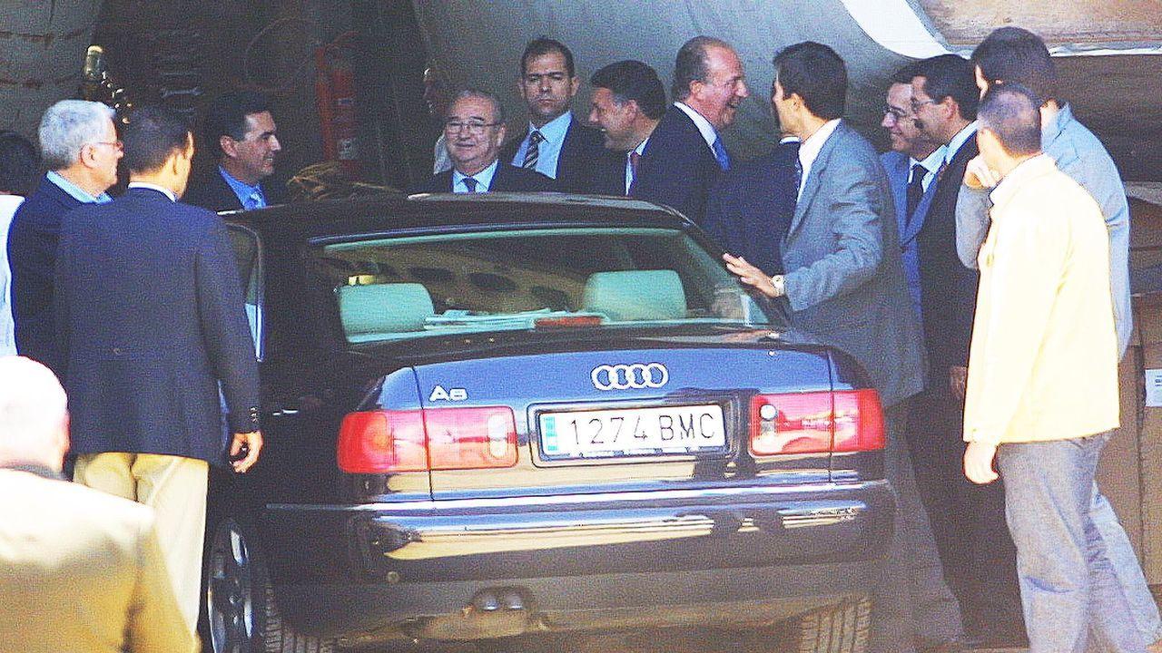 El rey, en junio del 2002, en los astilleros de Garrido en O Grove