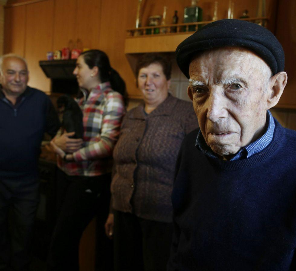 José Gamallo convive en Amil con su hijo y su nuera.
