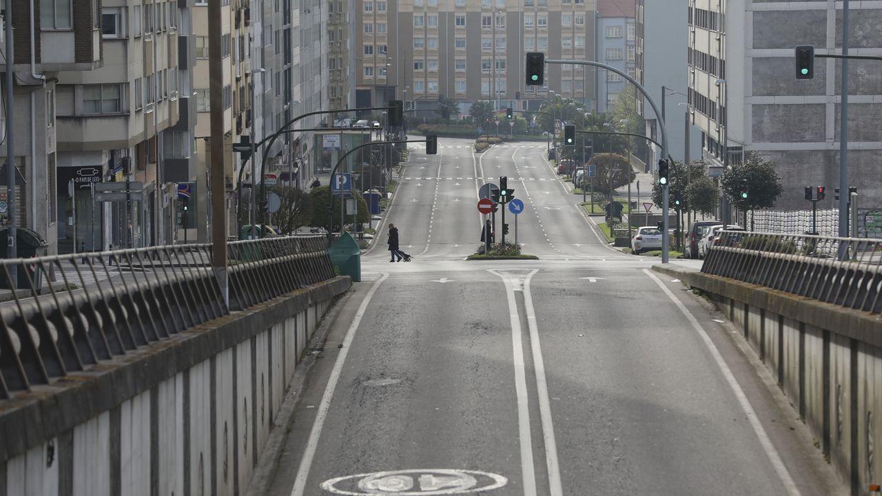 contaminación, polución .La avenida Romero Donallo, en Santiago, sin tráfico