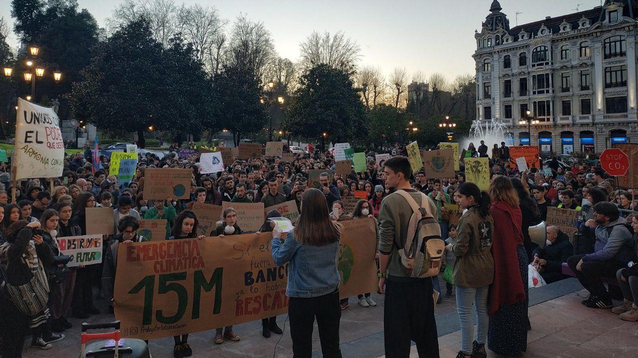 Protesta en la plaza de la Escandalera de Oviedo