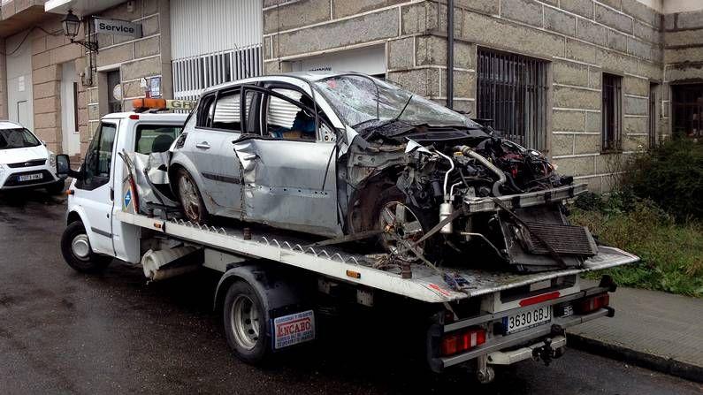 El coche del accidente en Viana do Bolo