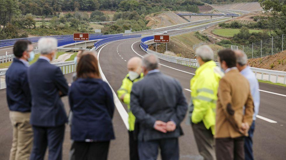 El tramo inaugurado este miércoles mide 8,8 kilómetros, casi todos en el municipio lucense de Carballedo