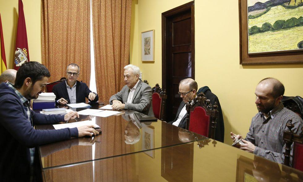Pilar Cancela preside la reunión de la gestora del PSdeG-PSOE