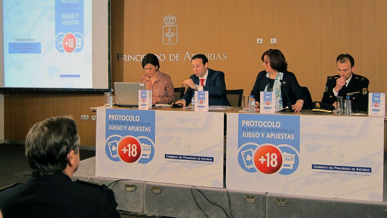 El consejero de Presidencia, Guillermo Martínez, presenta «Protocolo de menores en materia de juego y apuestas» en Asturias
