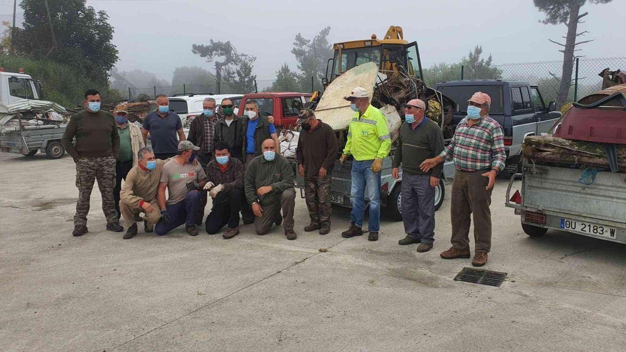 Cazando basura en Castro Caldelas.Castro Caldelas desarrolla una intensa actividad cultural
