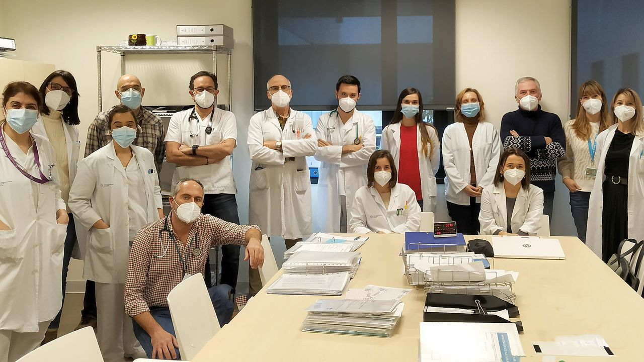 La Costa da Morte, iluminada de verde por el Día Mundial contra el Cáncer: ¡las imágenes!.Servicio de oncología médica del Chuvi