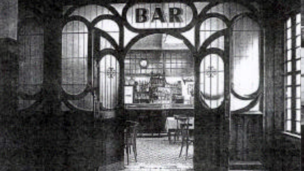 Entrada al bar de la estación de El Vasco, tal como lo diseñó Francisco Durán en el año 1905
