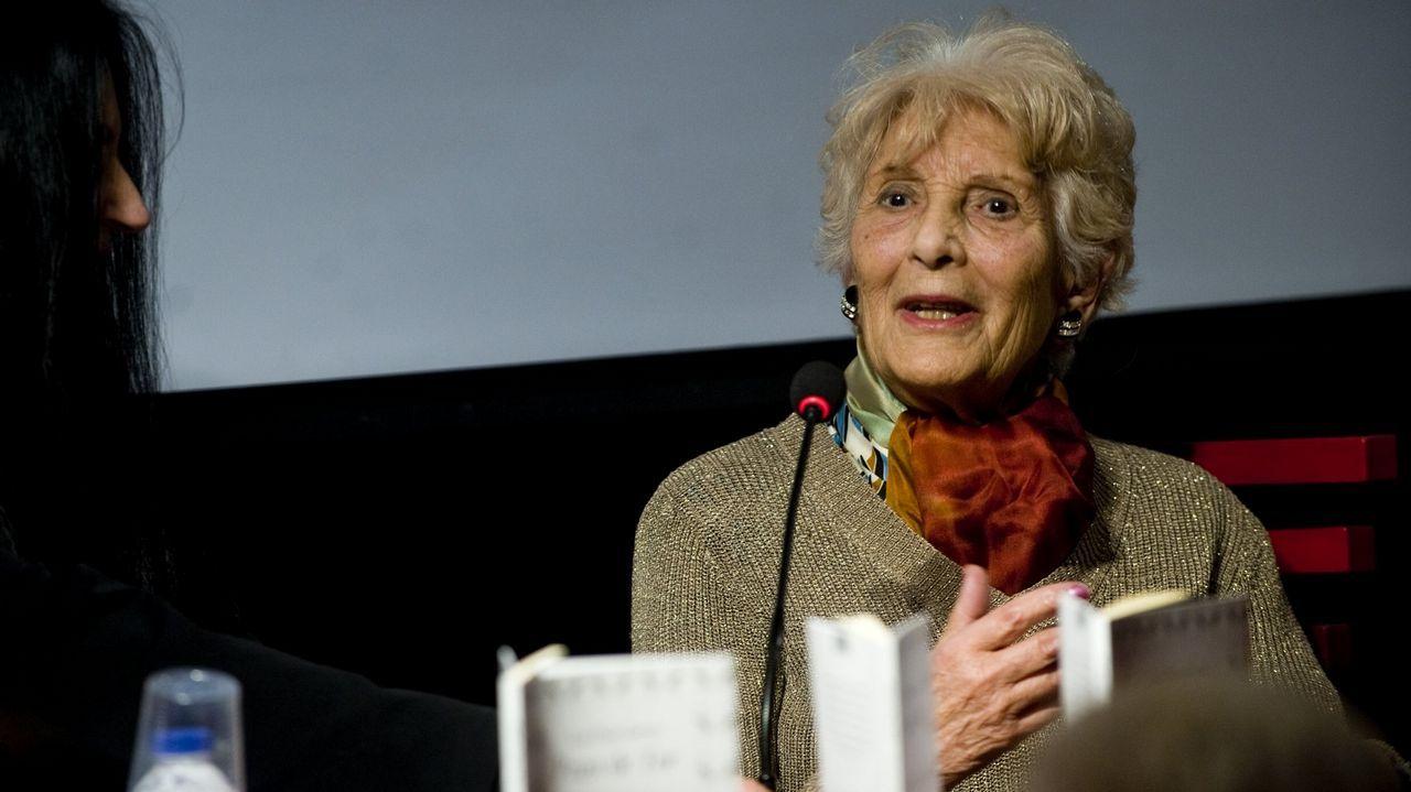 Luz Pozo, durante a presentación do seu último poemario, o pasado mes de febreiro