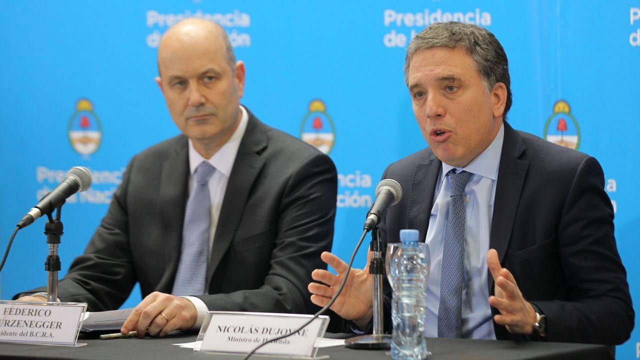 El presidente del Banco Central de la República Argentina, Federico Sturzenegger y el ministro de Hacienda argentino, Nicolás Dujovne