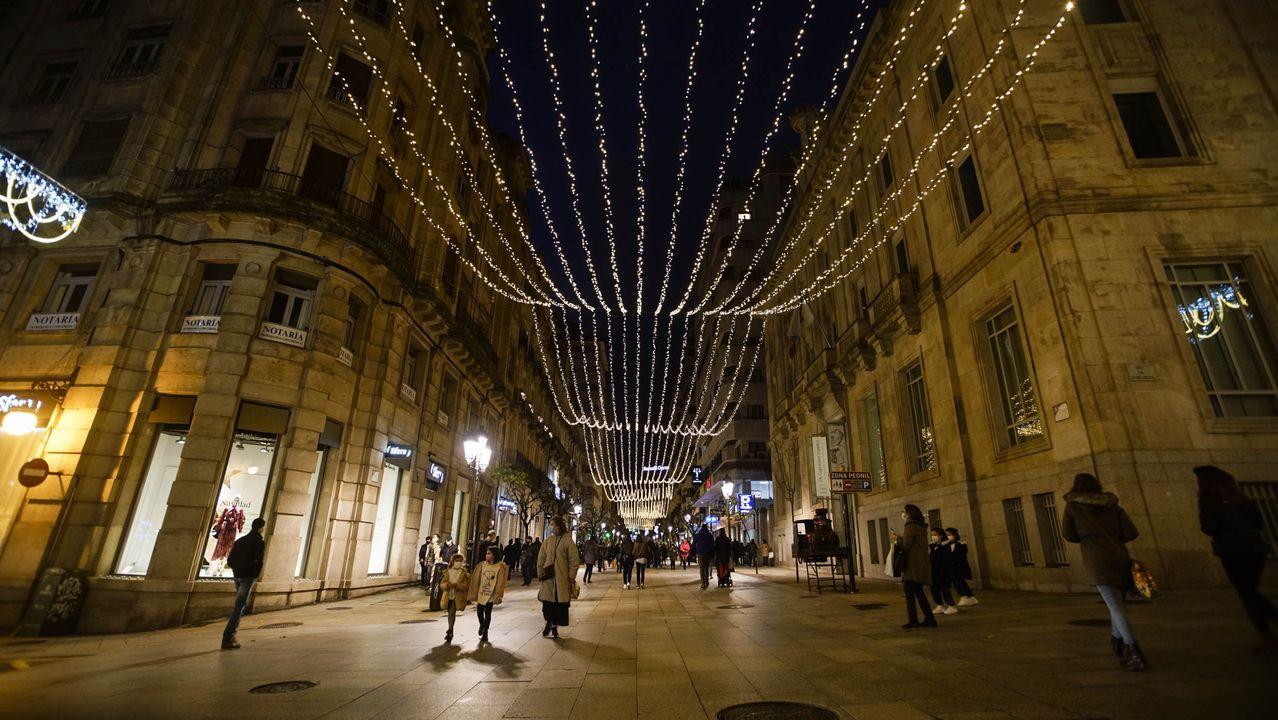 Iluminación navideña en la calle del Paseo