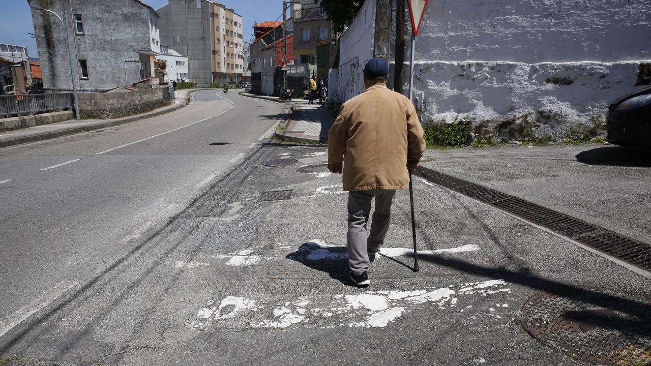 Así es la carretera donde murió atropellada una mujer de 67 años.La Pepita, en Cobián Roffignac, en Pontevedra