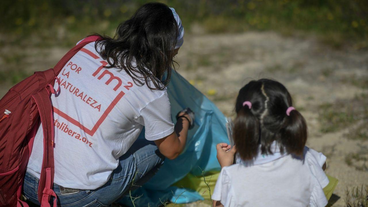 Orillas sin colillas, una iniciativa para acabar con la contaminación de las playas.Marisa Fernández, coordinadora del proyecto europeo Clean Atlantic