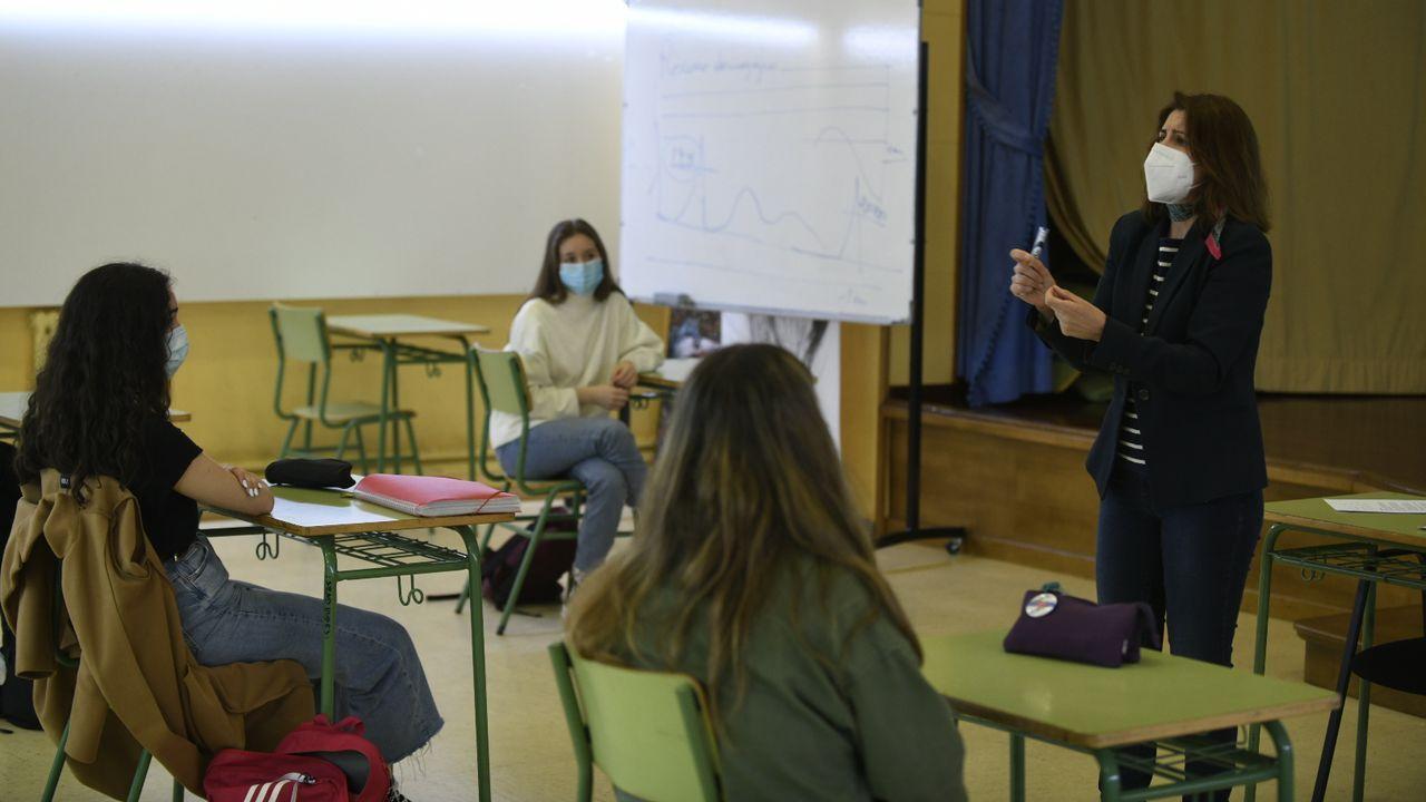 Comienzo de las clases presenciales en un instituto de Lalín, el Laxeiro