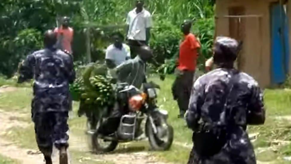 Vídeo en el que se ve a soldados de Uganda disparando a manifestantes.Presentación onte deste concerto benéfico que terá lugar en Mondoñedo