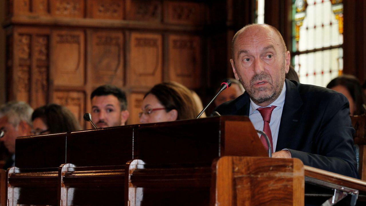jóvenes investigadores científicos asturianos.El vicepresidente del Gobierno del Principado y consejero de Infraestructuras, Medio Ambiente y Cambio Climático, Juan Cofiño