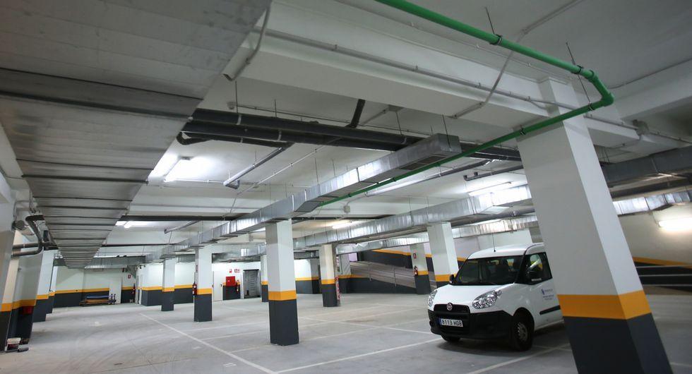 El aparcamiento subterráneo cuenta con 73 plazas ya está listo.