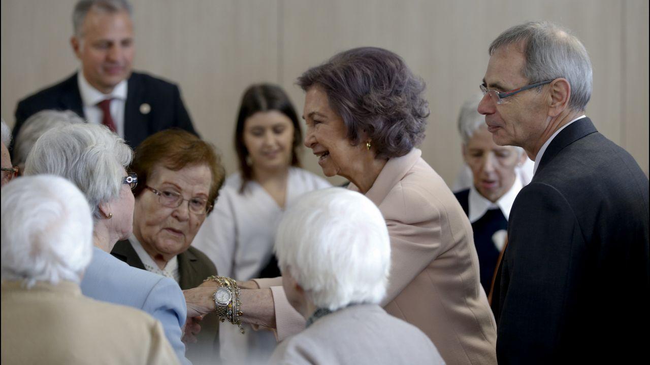 La visita de la Reina Sofía a Padre Rubinos, en imágenes