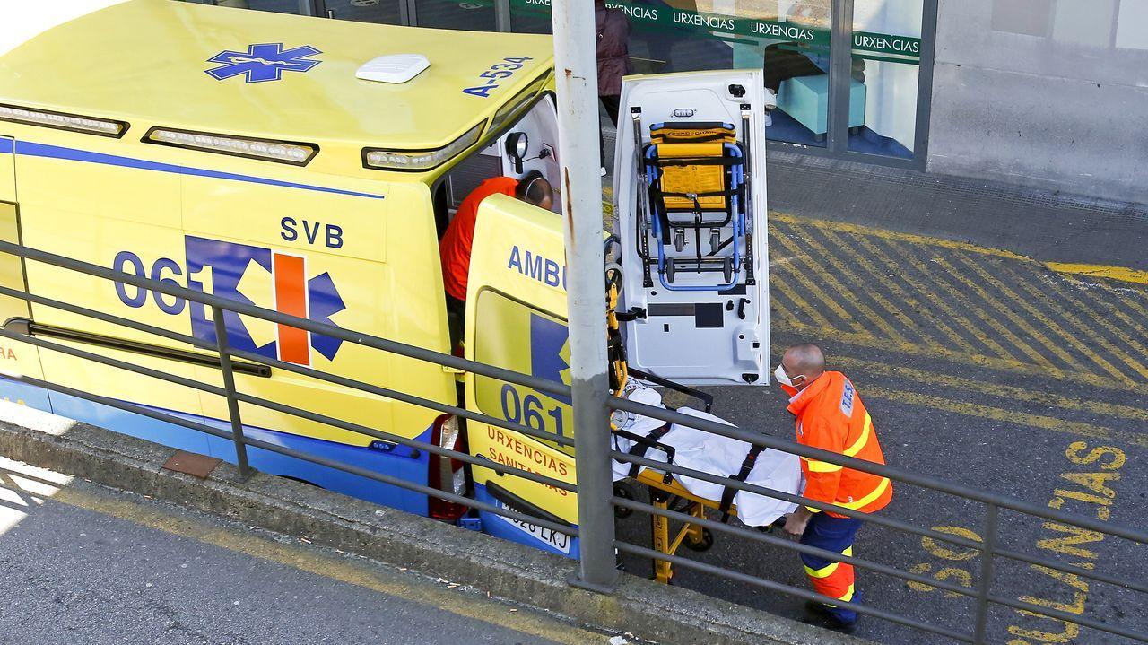 Entrada de urgencias del hospital Montecelo, en Pontevedra