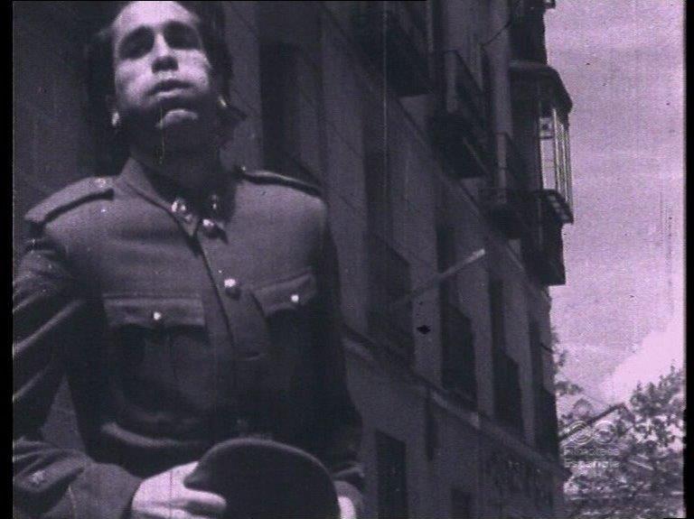 La película, una alegato antimilitarista, nunca llegó a ser sonorizada.