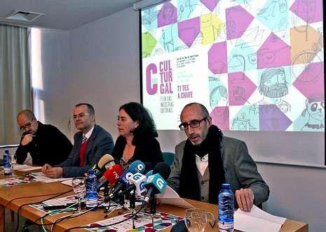 Os organizadores presentaron o programa da feira.