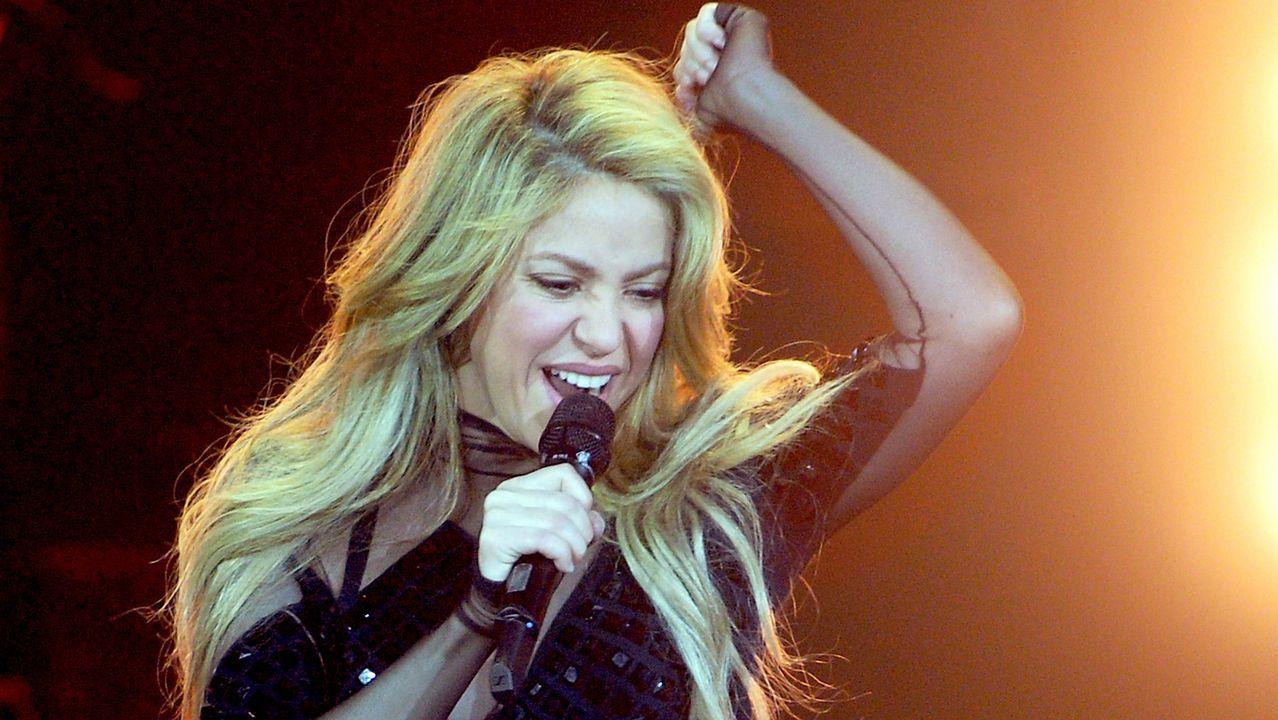 La versión asturiana de Shakira y Carlos Vives«La panceta».Los palistas toman el Sella en la salida del Descenso Internacional