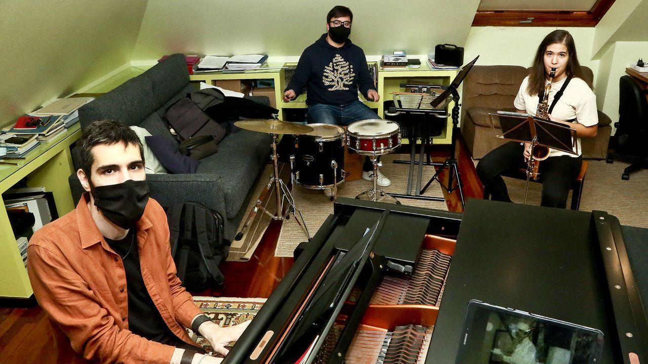 Caspervek interpreta una banda sonora para «El estudiante».Foto de arquivo do escritor Arturo Lezcano