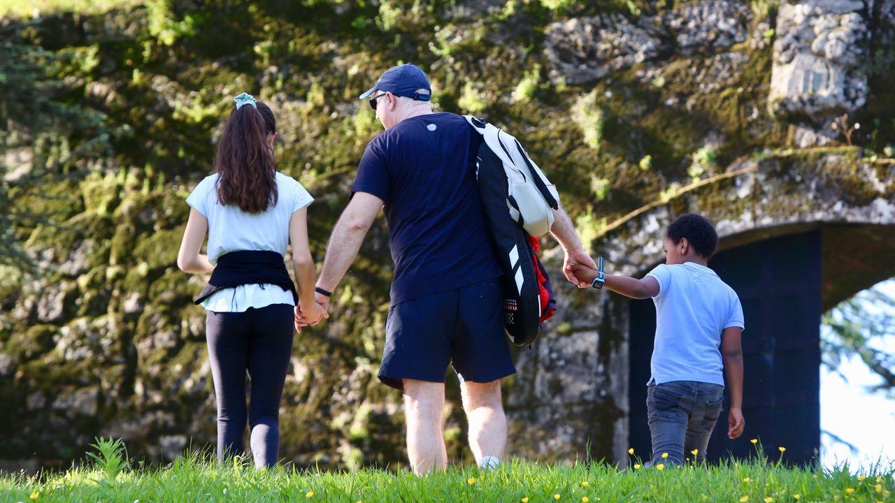 Familias en el parque de O Castro, en Vigo