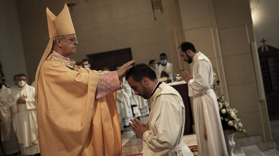 Pasan a disposición judicial los detenidos en la operación contra la fabricación ilegal de tabaco.El acto de ordenación sacerdotal se celebró en el Seminario Mayor