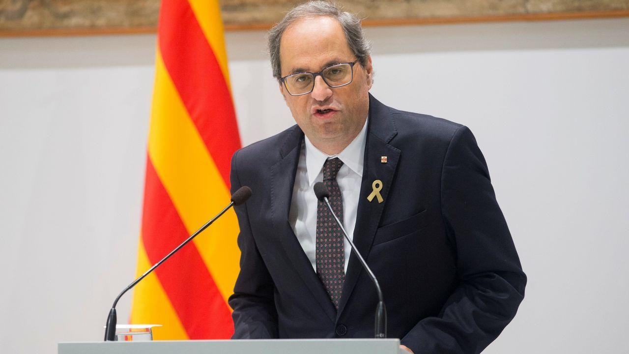 ERC corrige a Ábalos: «El acuerdo aún está lejos».El presidente en funciones, Pedro Sánchez, mira a Gabriel Rufián (ERC) en el Congreso