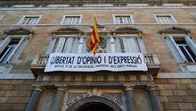 Torra retira la pancarta de la Generalitat