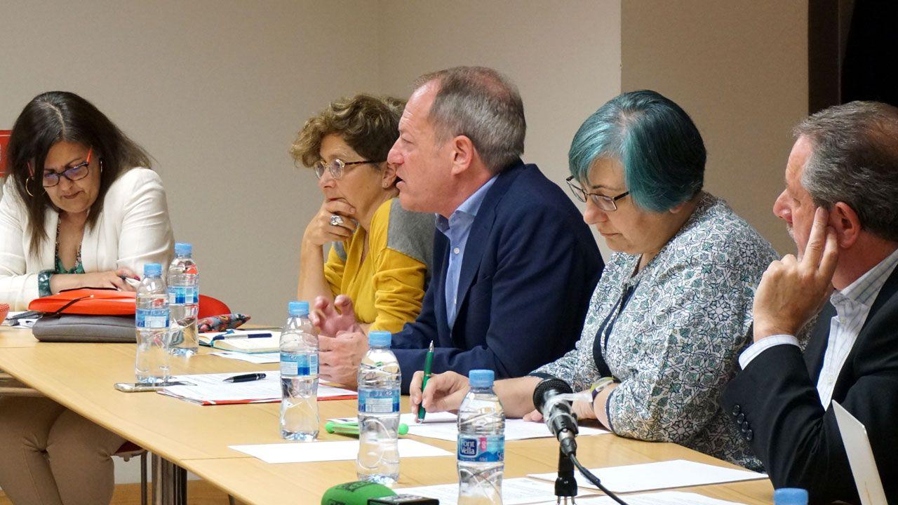 Aurelio Martín interviene en la reunión con PSOE y XsP del 4 de julio en la Casa del Pueblo de Gijón