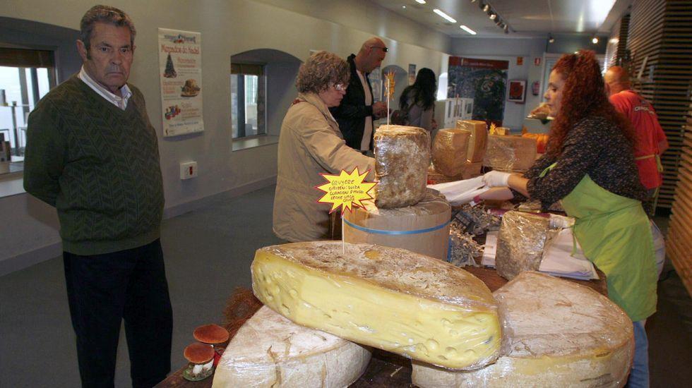 Gloucestershire (Reino Unido). Monte abajo a la captura de un queso rodante.
