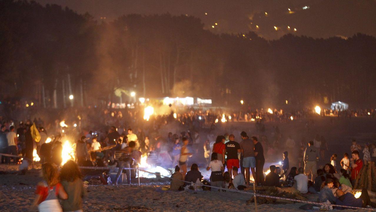 En la playa de A Magdalena, en Cabanas, solo podrán arder un máximo de 45 fogatas