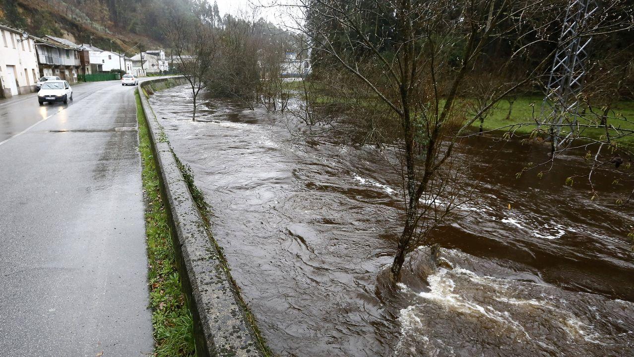 Río desbordado en Landrove