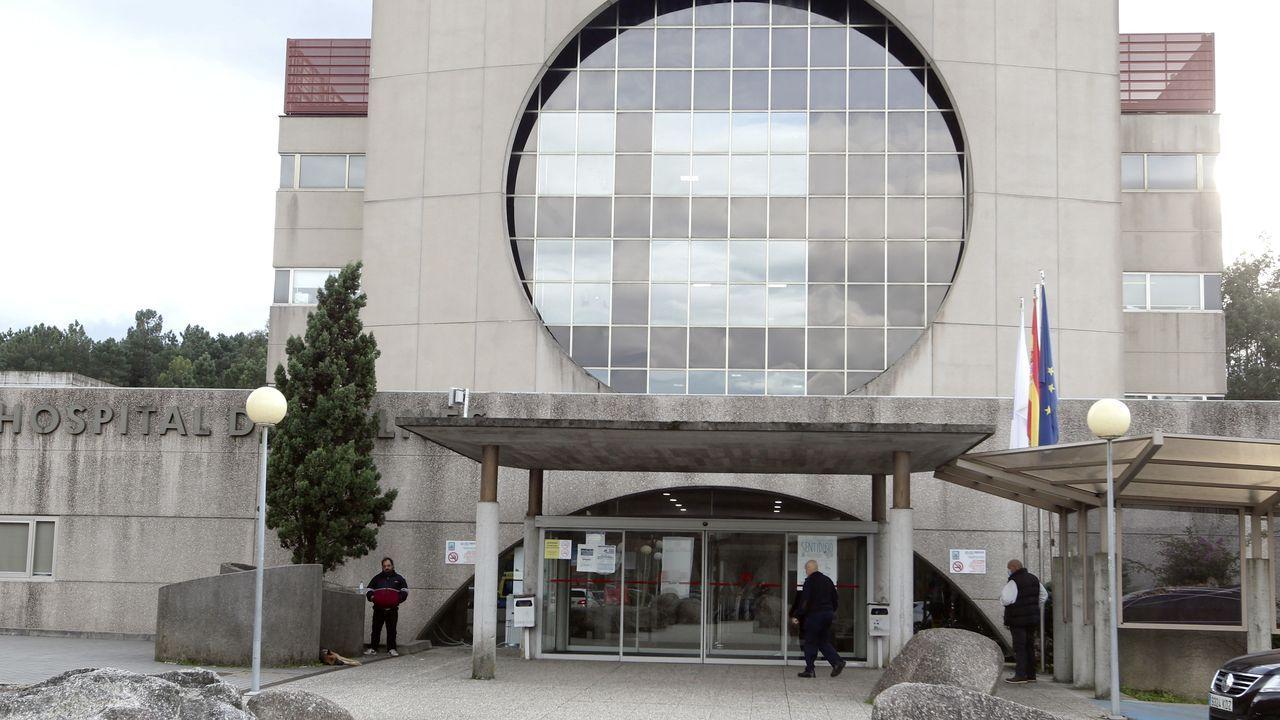 Foto de archivo de traslado de pacientes en el Hospital Montecelo, en Pontevedra