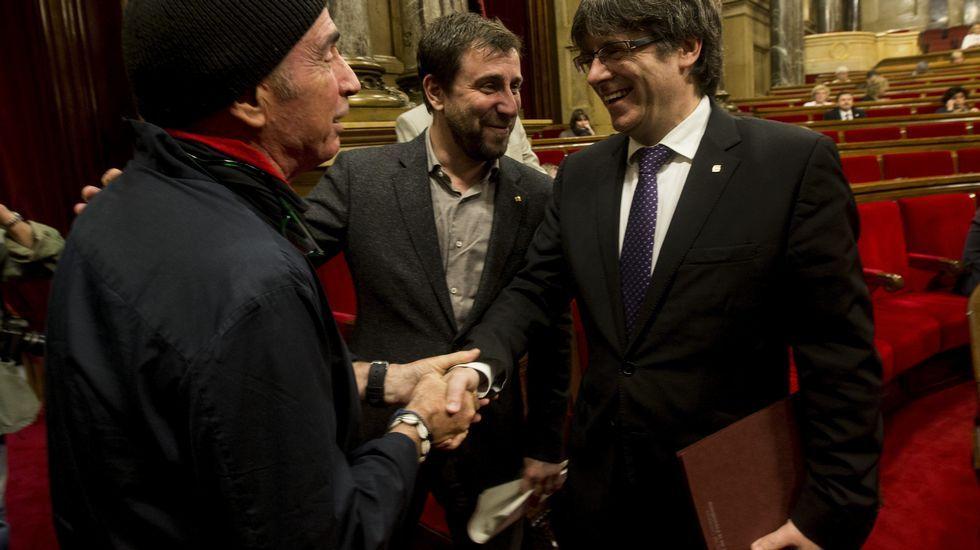 Puigdemont saluda esta mañana a Lluís Llach