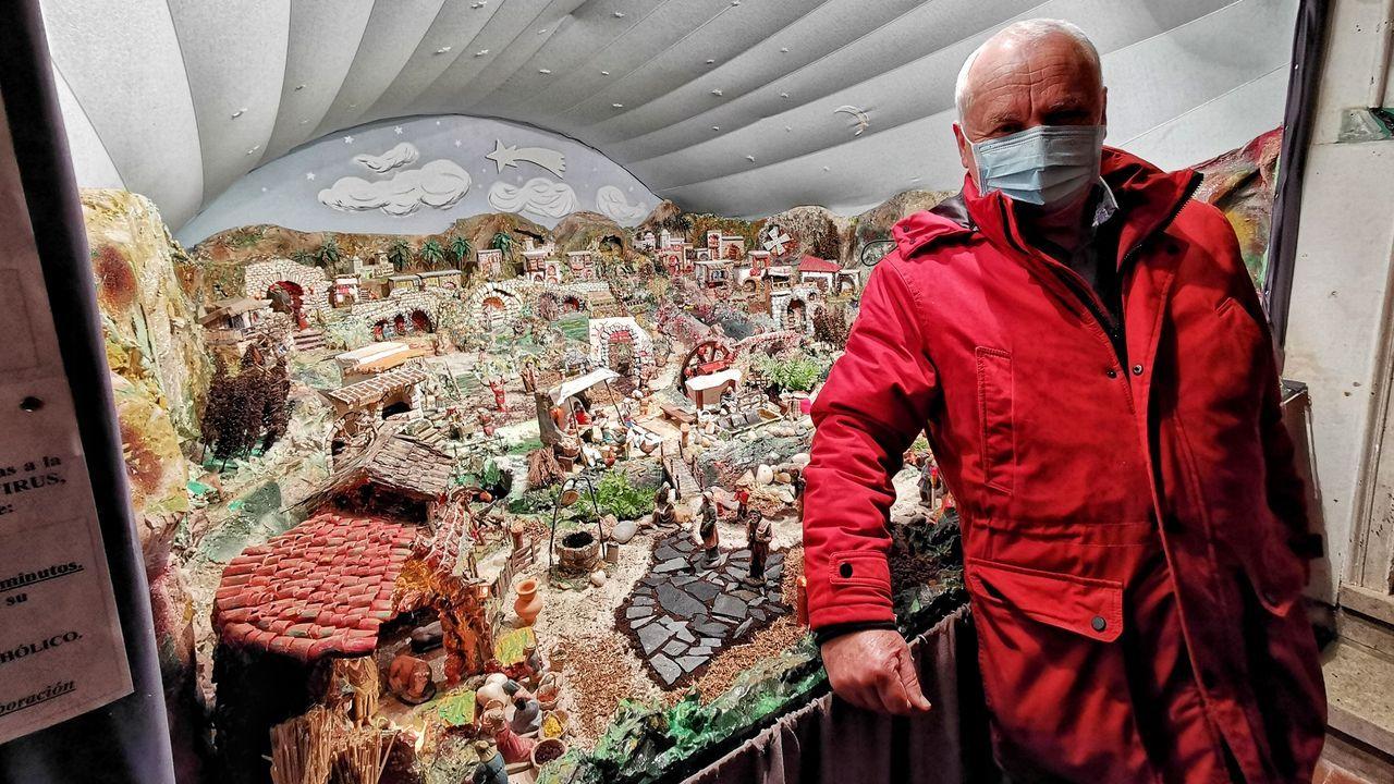 Escultura en el CHUO que homenajea a la enfermería en el centenario del colegio profesional de Ourense
