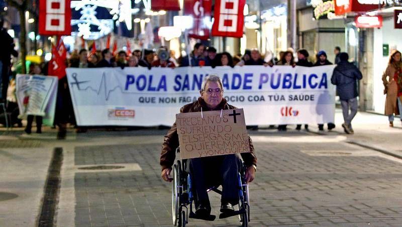 La protesta de Pontevedra en imágenes.La manifestación del 10 de diciembre en defensa dela sanidad congregó a miles de personas.