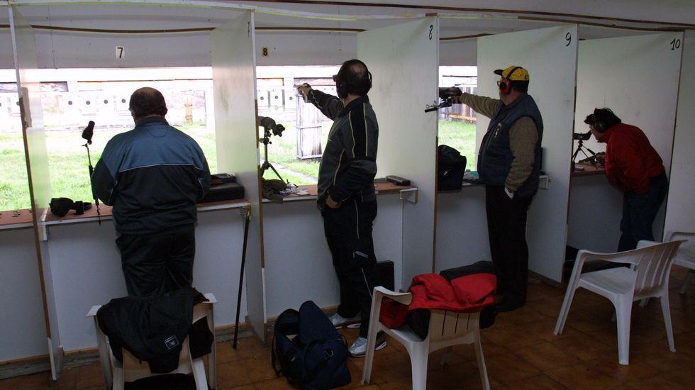 Silbidos de bala en las casas de As Lamas.Comisaría de la Policía Nacional en Gijón