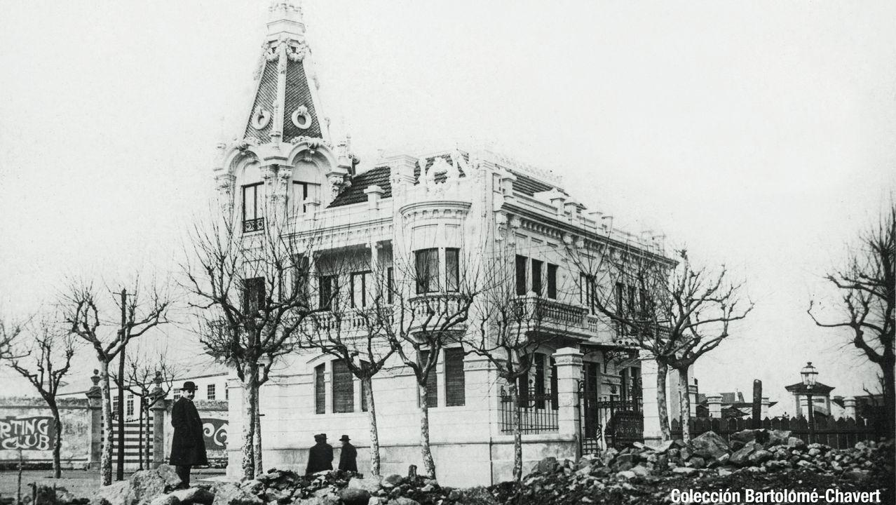 Casa Escudero, en A Coruña. Una de las fotos que ilustran el calendario de la Asociación de la Prensa de La Coruña.