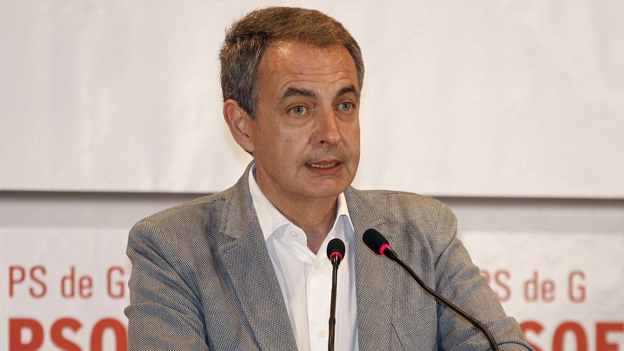 La trayectoria política de Pérez Rubalcaba en imágenes.Autoridades y familiares reciben en el Congreso el féretro de Pérez Rubalcaba