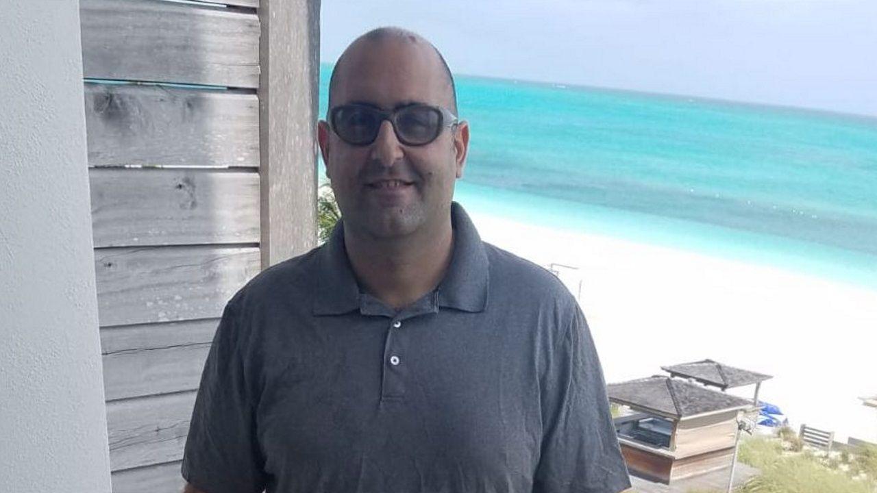 Umberto ha hecho una donación de alimentos a Ourense desde las islas Turcas y Caicos, donde reside desde hace seis años