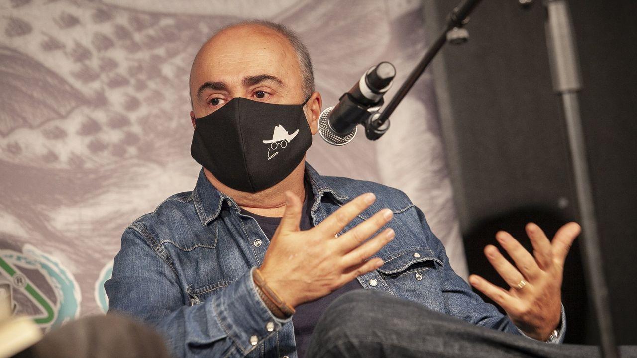 Imagen de archivo de Antón Riveiro Coello durante la presentación del libro