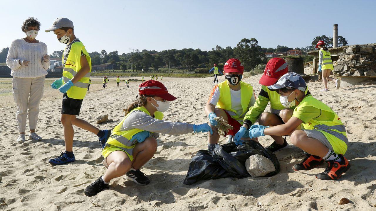 Programa Ludieduca de Jealsa y La Cruz Roja con motivo del día de los océanos en Barraña y o Areal.Desde el sábado, los hosteleros de Boiro podrán ampliar el aforo de sus terrazas hasta el 75 % y del interior al 50 %
