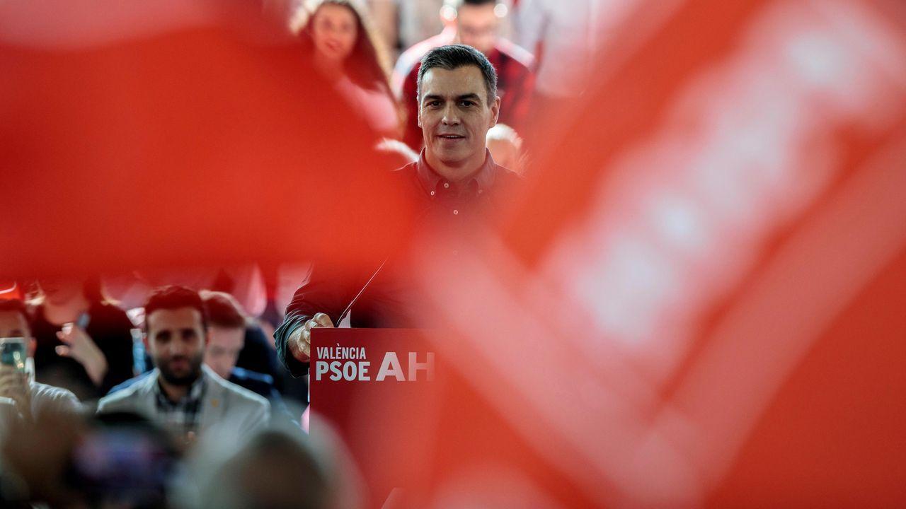 Leonor: «Llevo a Cataluña en el corazón».Pedro Sánchez, este sábado, durante un mitin en Valencia
